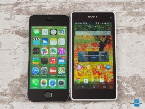 Sony-Xperia-Z1-Compact-vs-Apple-iPhone-5s-01